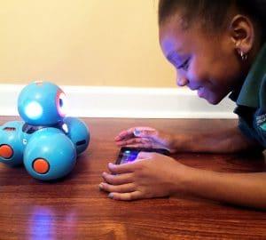 Encourage STEM Learning and Robotics with the NEW Dash Robot @WonderWorkshop #TechToys @BestBuy