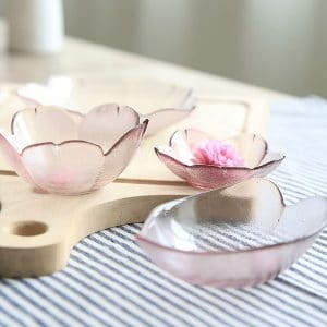 Inspired by the sakura or cherry blossom tree, these pretty pink plates and glass bowls are just perfect for entertaining and bridal shower game prizes.