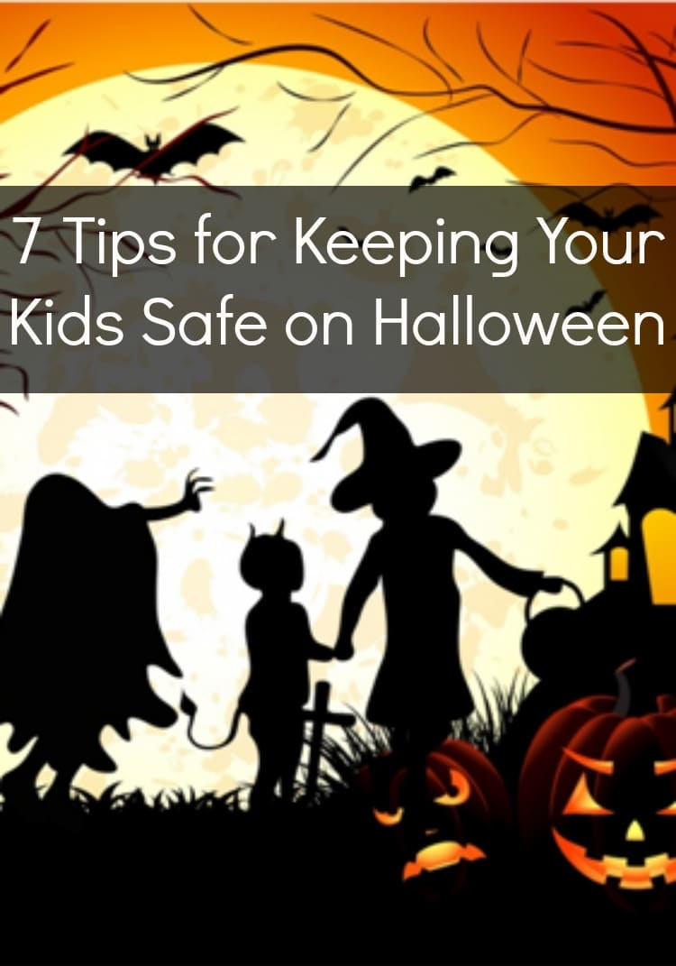 Scary clowns are not the only thing we have parents have to be nervous about this Halloween. With the growing concern for Halloween safety, here is a complete Halloween safety guide and tips for keeping kids safe on Halloween.