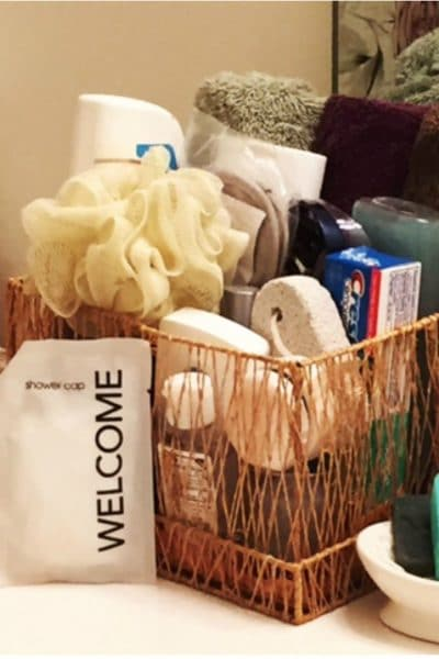 5 tips to prepare your guest bathroom for out-of-town guests @Costco #hostinghacks