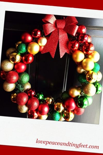 DIY Christmas Ornament Wreath in 5 Easy Steps!