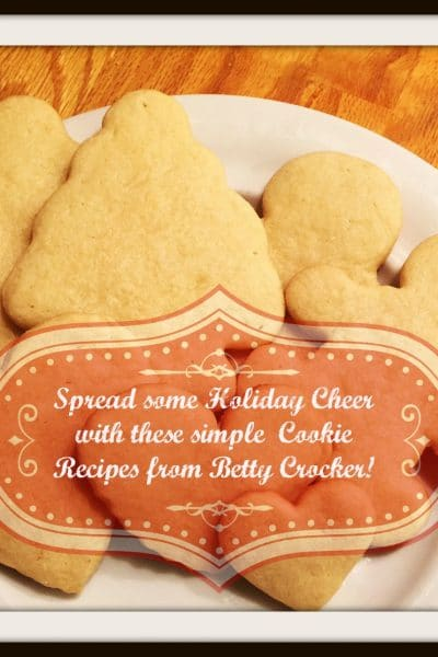 Spread Holiday Cheer with this simple Sugar Cookie recipe! #cookieseason