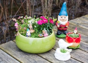 DIY Mother's Day Gift Planters Garden