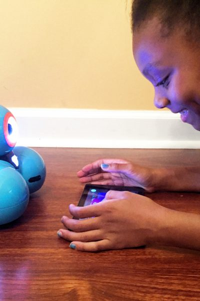 Encourage STEM Learning and Robotics with the NEW Dash Robot @WonderWorkshop #TechToys @BestBuy