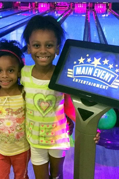 5 fun things to do with the whole family – all under one roof! @MyMainEvent #EatBowlPlay