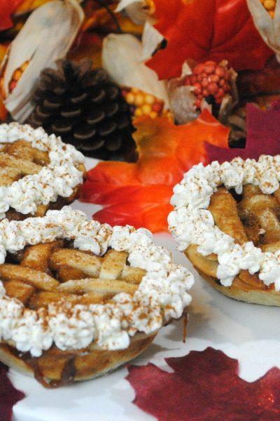 Recipe: Mini Apple Pies with Homemade Whipped Cream