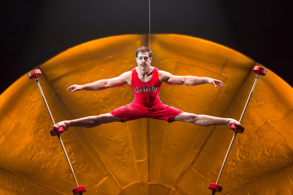 Cirque Du Soleil Luzia acrobat