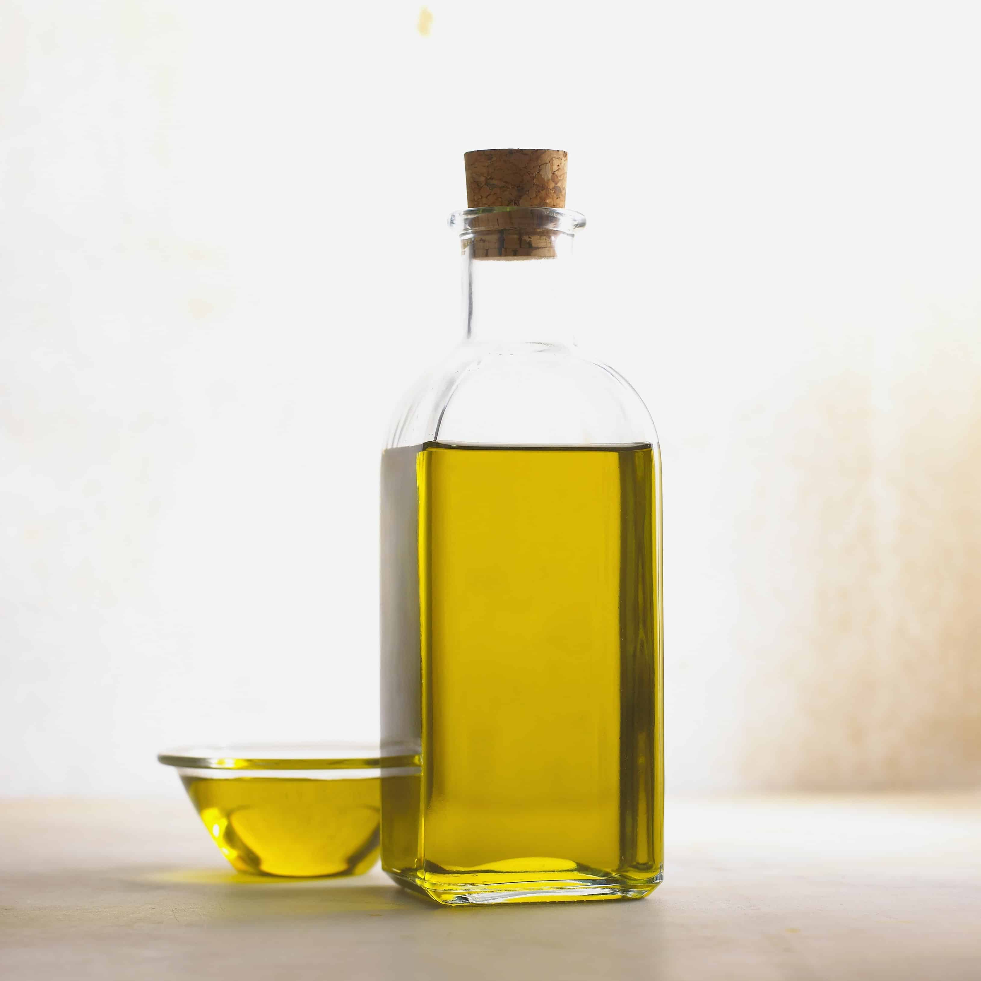 How to detox using oil pulling