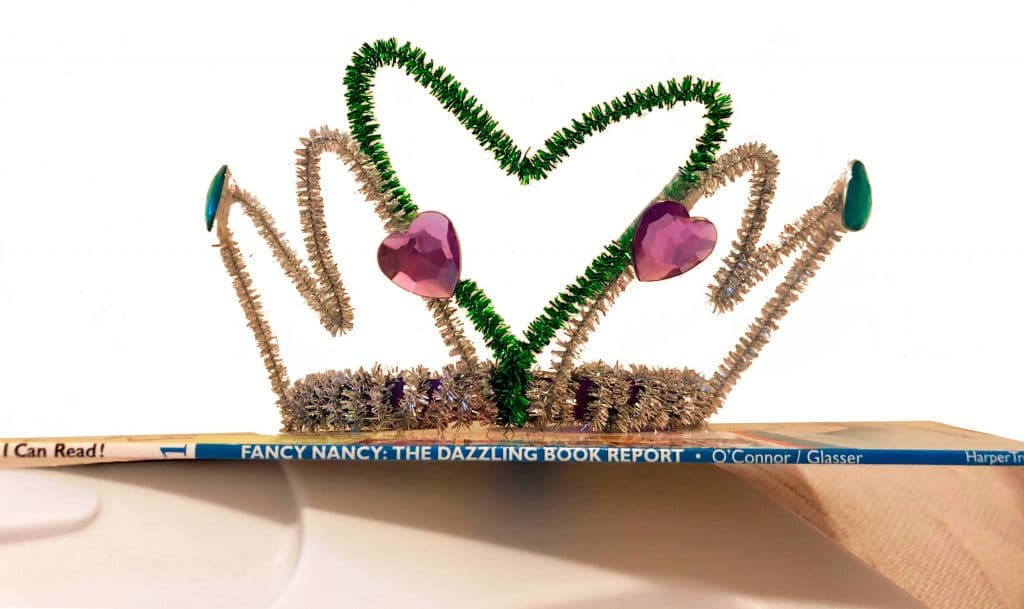 DIY tiara with pipe cleaners
